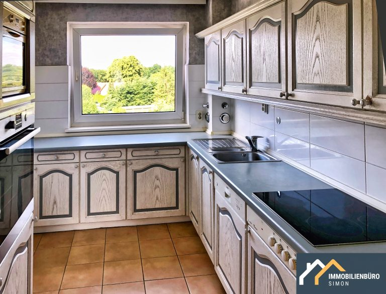 Wohnung in Henstedt Ulzburg zu vermieten / Mieten Immobilienbüro Simon Makler 4 Zimmerwohnung